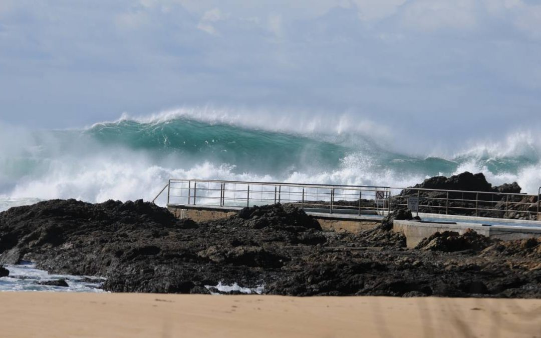 Severe weather warning for damaging surf and abnormally high tides